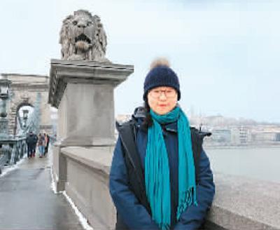 刘天娇在欧洲旅行留影 图片来源:人民日报海外版