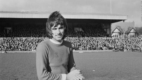 乔治-贝斯特被视为英国第一位真正的足球巨星