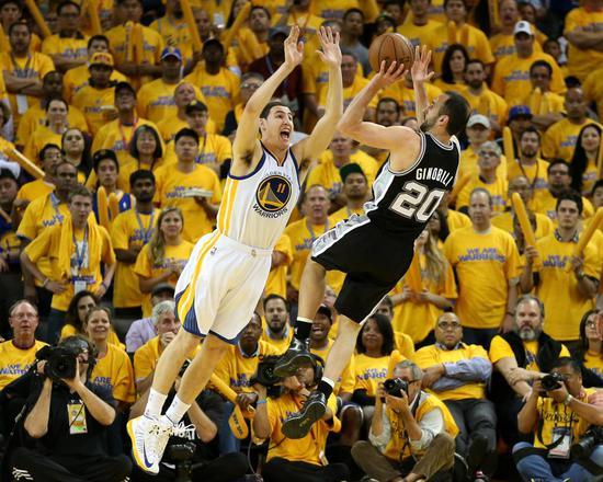 不粘锅妖刀吉诺比利: 他是NBA最佳老虎机