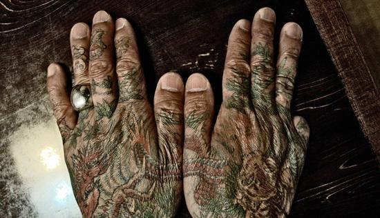 社会你龙哥,纹身可能只是他的保护色