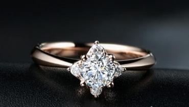 彩金钻戒好还是铂金钻戒好 两者有何区别?