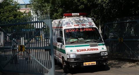 印度大巴相撞致9死40伤 其中一辆车满载婚礼宾客