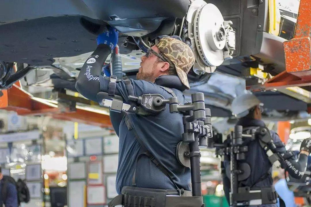 未来机械骨骼将成为制造业工人的得力帮手
