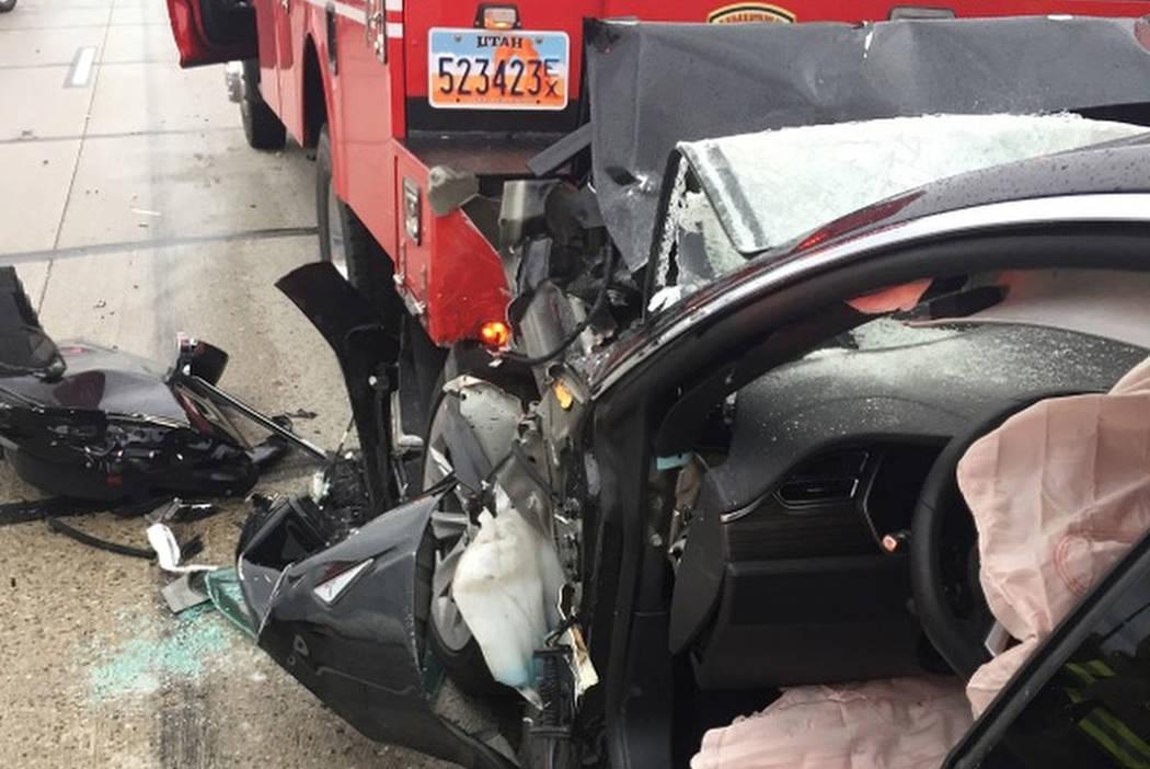无人驾驶状态下撞上消防车. 车主起诉索赔
