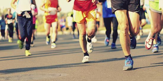 马拉松比赛必备装备清单:需遵循实用原则