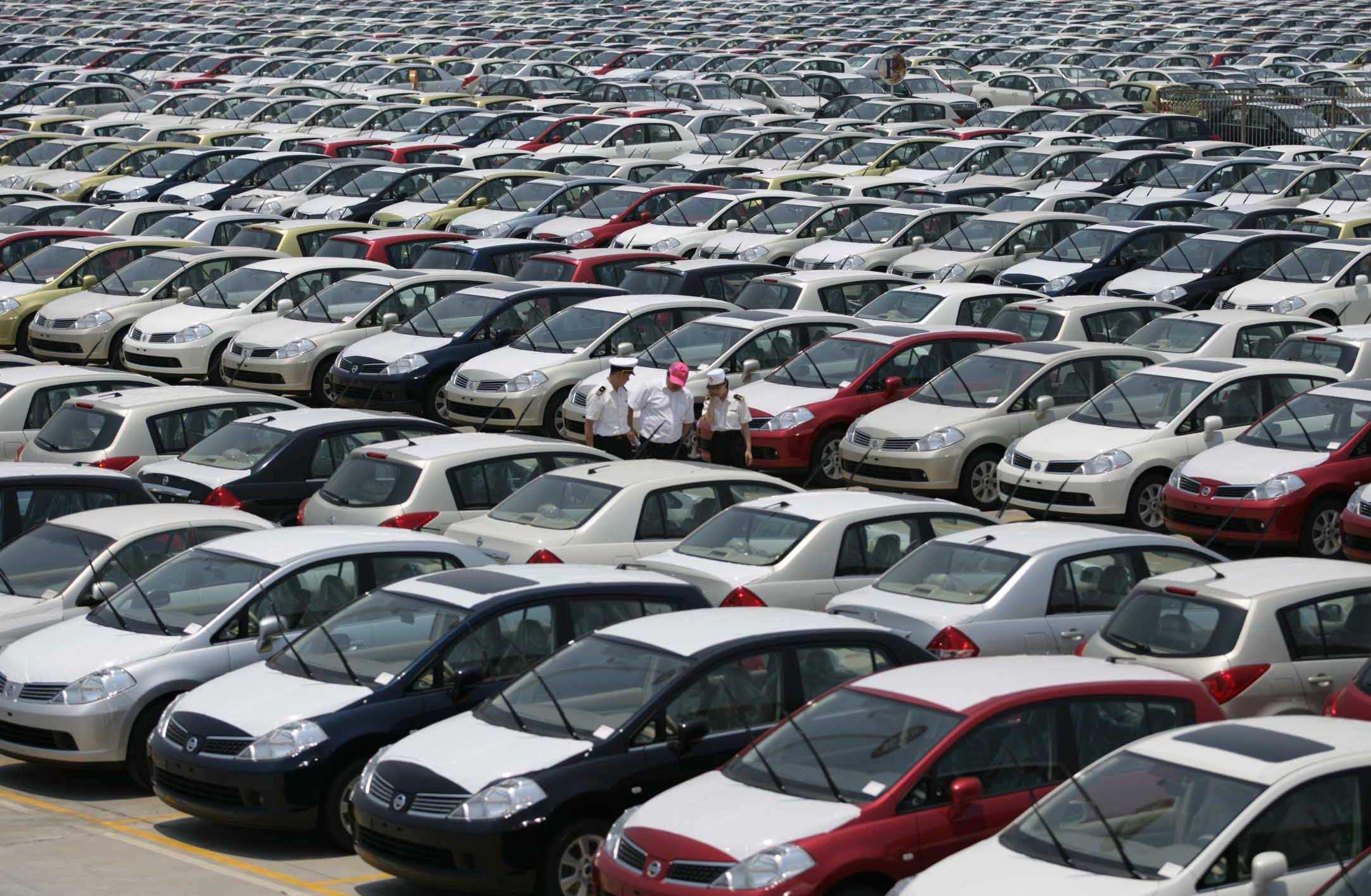 全球车市告急 美、日汽车销量下滑严重
