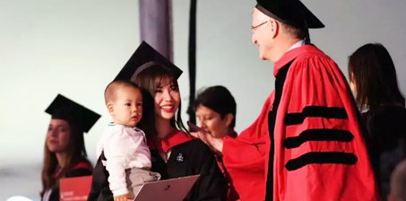 女神学霸17岁放弃保送清华,22岁哈佛硕士毕业