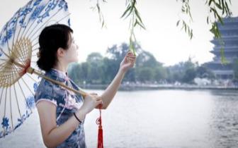 长治市旗袍会举行成立三周年文艺展演