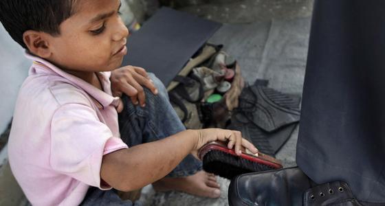 童工盛行!5岁养家!印度如何PK中国?