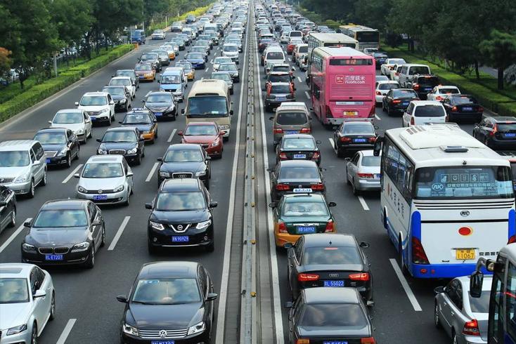 8月汽车总销量210.34万 同比降3.75%