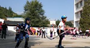 张家口市区首支青少年冰球队成立开启啦!
