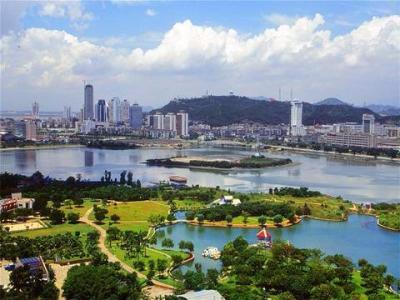 丁绣峰就市中心区旅游目的地建设工作进行调研