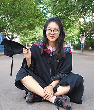 王子珺今年本科毕业后赴美留学。图为她的毕业照