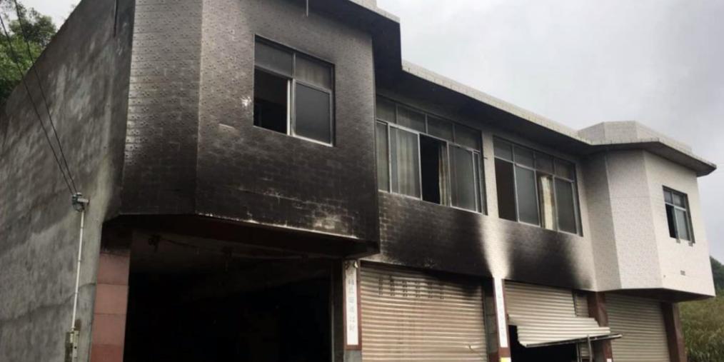 向母亲要钱未果,自贡40多岁男子竟放火烧了亲哥的车子房子