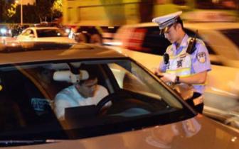 沪警方集中打击:一天查处易致祸交通违法2600余起