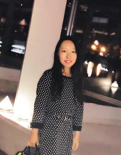 贾菲对学术研究充满热情,希望在英国留学期间能获得更大的提升。在课余时间,她经常参与学术活动