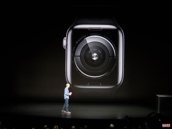 性能翻倍 超窄边框 Apple Watch Series 4发布