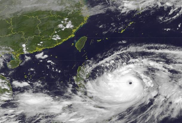 """""""山竹""""可能影响达4330万人 恐是史上最猛烈风暴"""