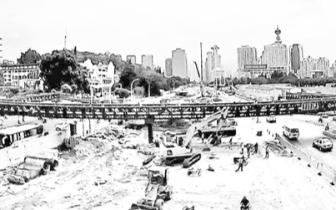 福州地铁2号线南门兜站拆围挡 国庆前路面修复