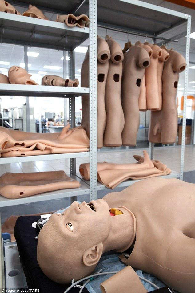 俄罗斯研制患者机器人,会流血、排尿和尖叫!