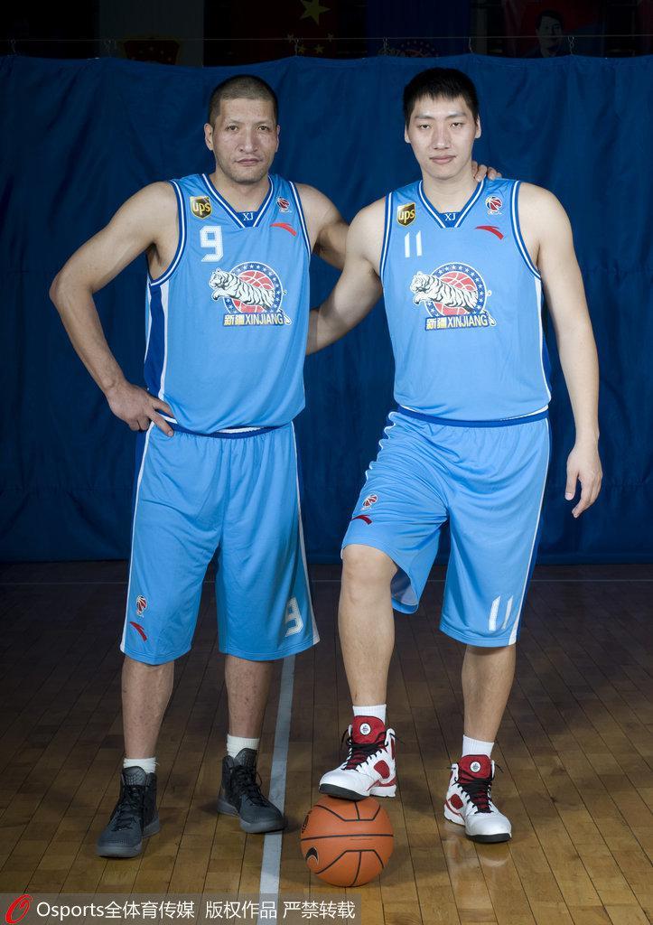 2011-12赛季,唐正东如愿加盟新疆