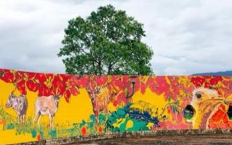 童趣花卉彩绘墙 百公尺IG场景拍不完