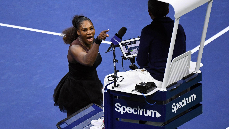 2018年美网女单决赛,小威数次与裁判发生争吵。