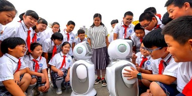 """邯郸邯山区组织学生""""零距离""""感受科技魅力"""