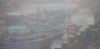 """台风""""山竹""""在台山登陆 实拍台山横山渔港"""