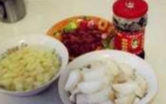 香肠土豆焖饭这么做 家人肯定吃了还想吃!