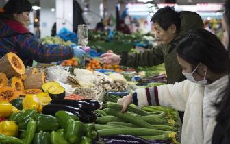 琼中防台风提前储备物资 稳定市场价格