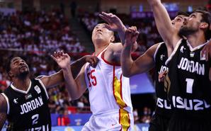 世预赛-男篮6人上双 88-79逆转约旦