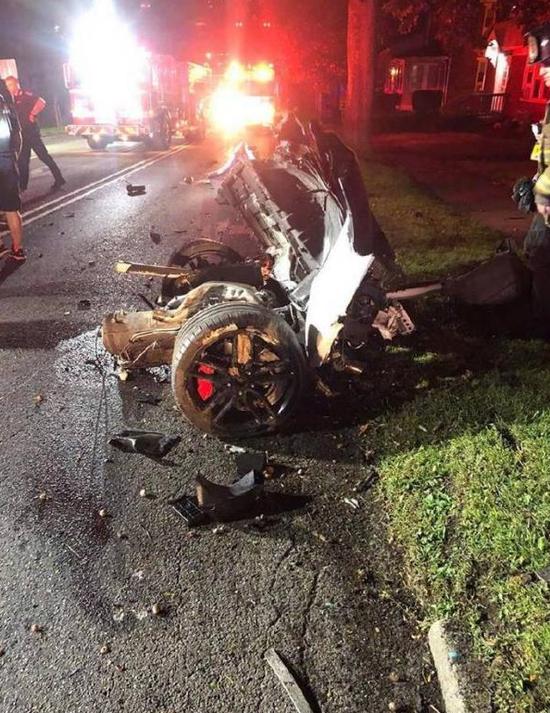 21岁中国留学生在美凌晨酒驾撞树身亡