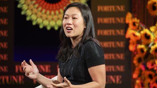 扎克伯格夫妇投130亿美元做慈善:希望消除人类疾病