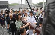 市民参观南京大屠杀纪念馆