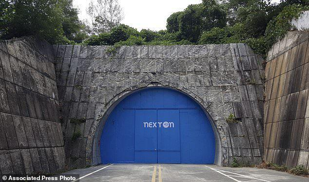 韩国将公路隧道造成农场:粉色系阳光配古典音乐
