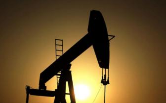 美国石油产量首超俄罗斯 成世界第一产油国