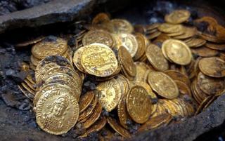 古罗马帝国时期金币出土 价值百万美元