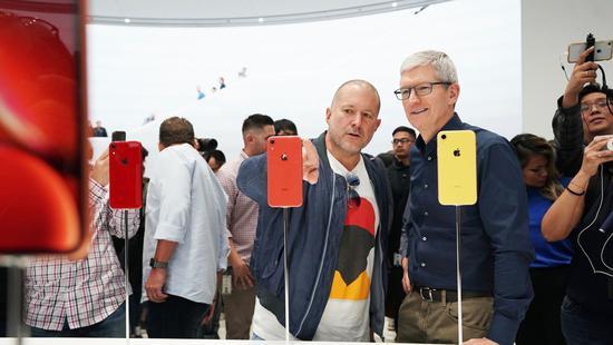 库克谈新iPhone高价:好产品不便宜 运营商有补贴