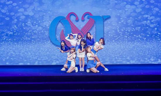 OYT女团首支单曲《噗通噗通》上线 闪耀青春能量