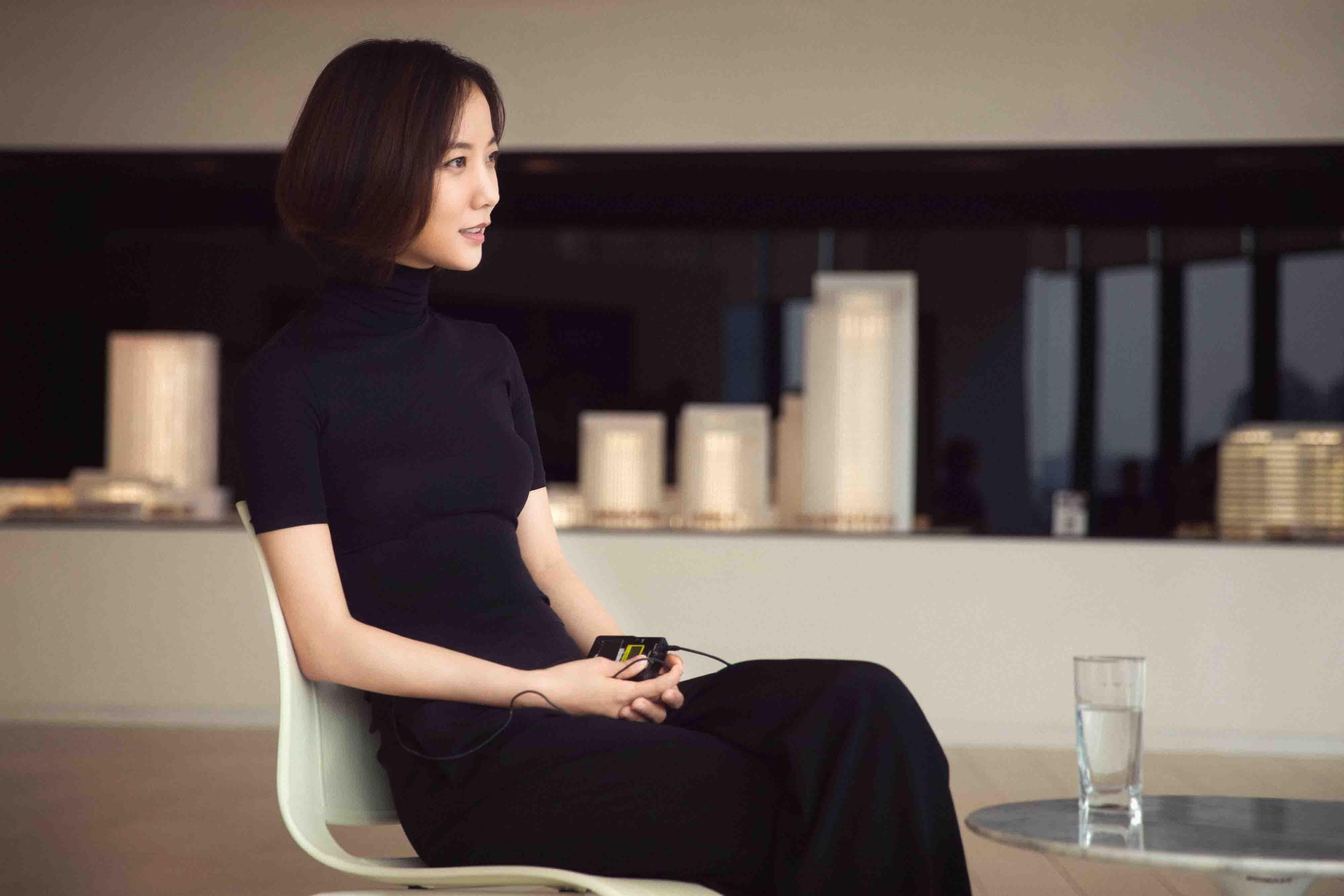 王珞丹转战制片推出视频节目  潘石屹马寅纷纷助