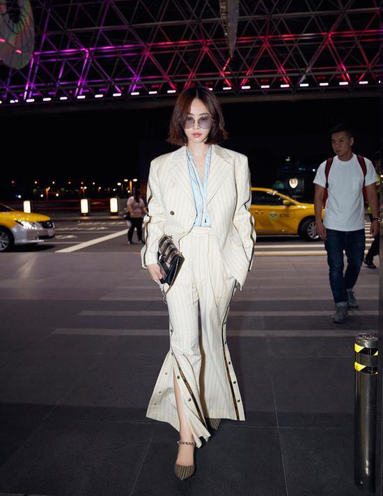 十期倍投稳赚方案图片,蔡依林干练西服套装再赴米兰时装周