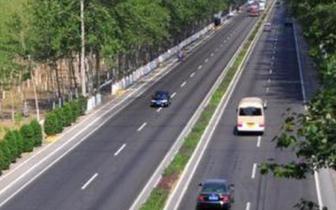 违法 石家庄将清理干线公路沿线广告设施 明年实现清零