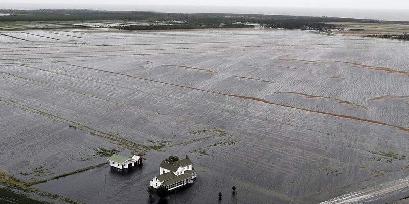 """飓风""""佛罗伦萨""""过境美国 余威犹存损失惨重"""