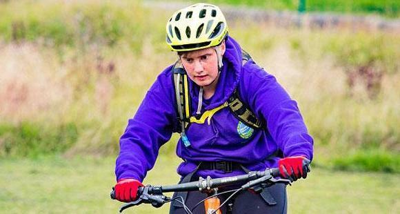 英视障学生独立完成48千米骑行获赞
