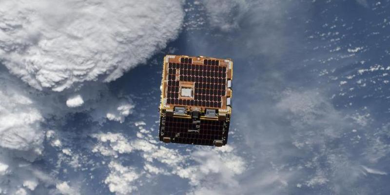 """NASA曝光""""宇宙魔方"""" 可清理太空漂浮碎片"""