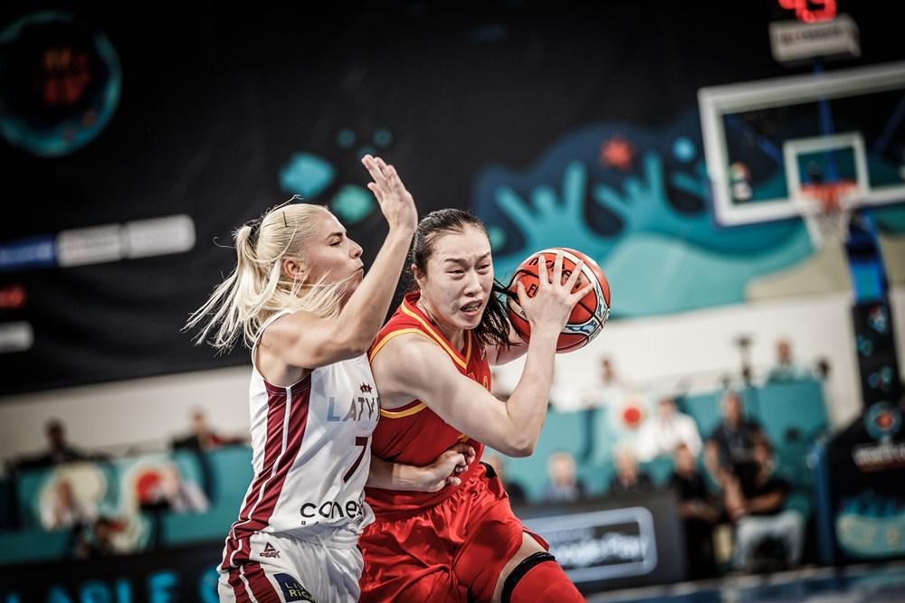 女篮世界杯:中国险胜拉脱维亚 邵婷15+5韩旭8+10