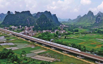 广深港高铁正式开通 香港人置业桂林或成热潮