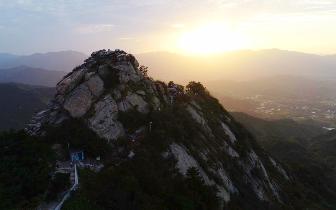 中外摄影家云集鸡公山,与游客共享超级月饼庆中秋