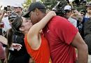 伍兹kiss女友庆祝夺冠